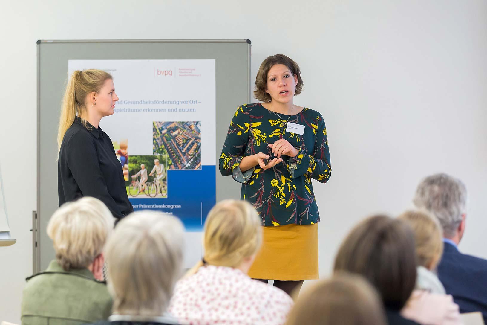 Marie Meinhardt und Dr. Katrin Linthorst