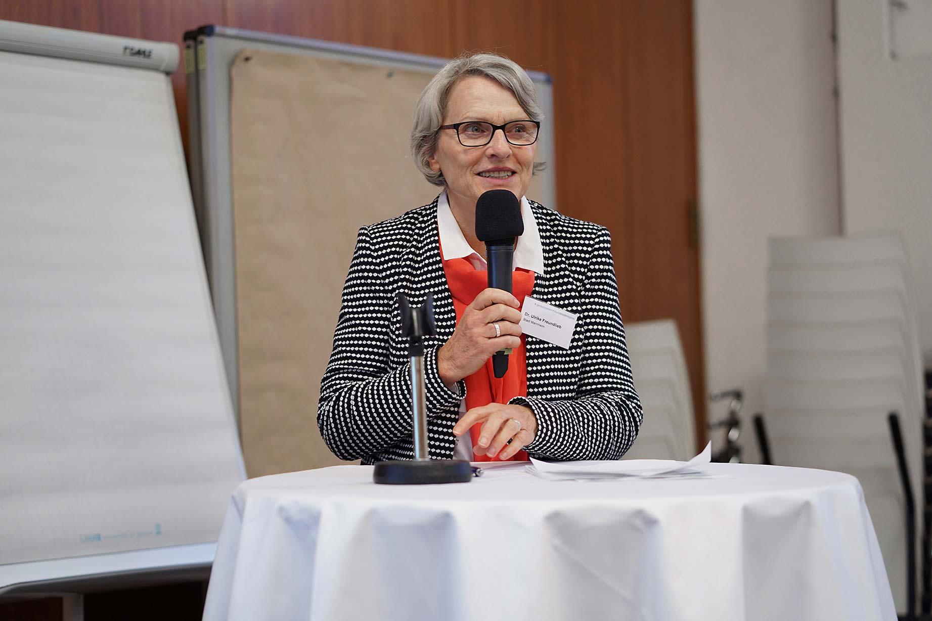 Dr. Ulrike Freundlieb