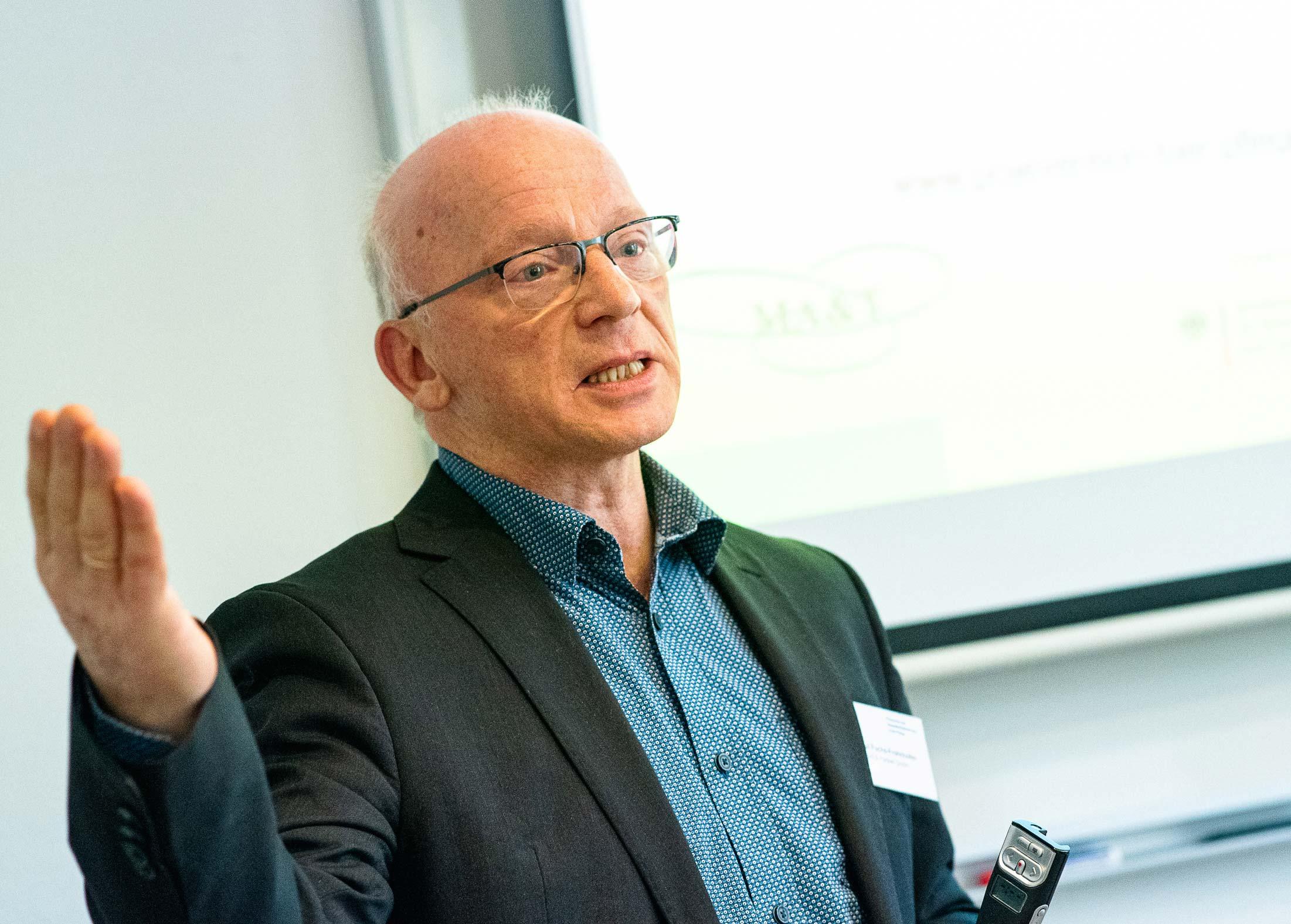Dr. Paul Fuchs-Frohnhofen